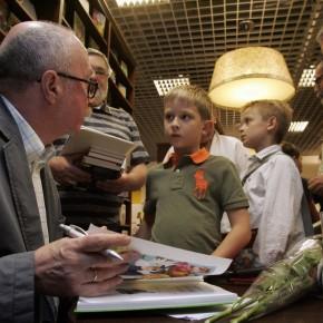 Фотографии со встречи с Денисом Драгунским