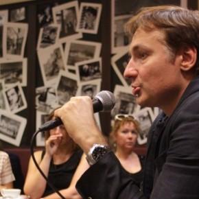 Фото и видео со встречи с Павлом Санаевым